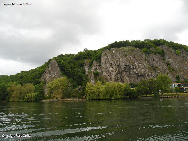 Kletterfelsen entlang der Maas
